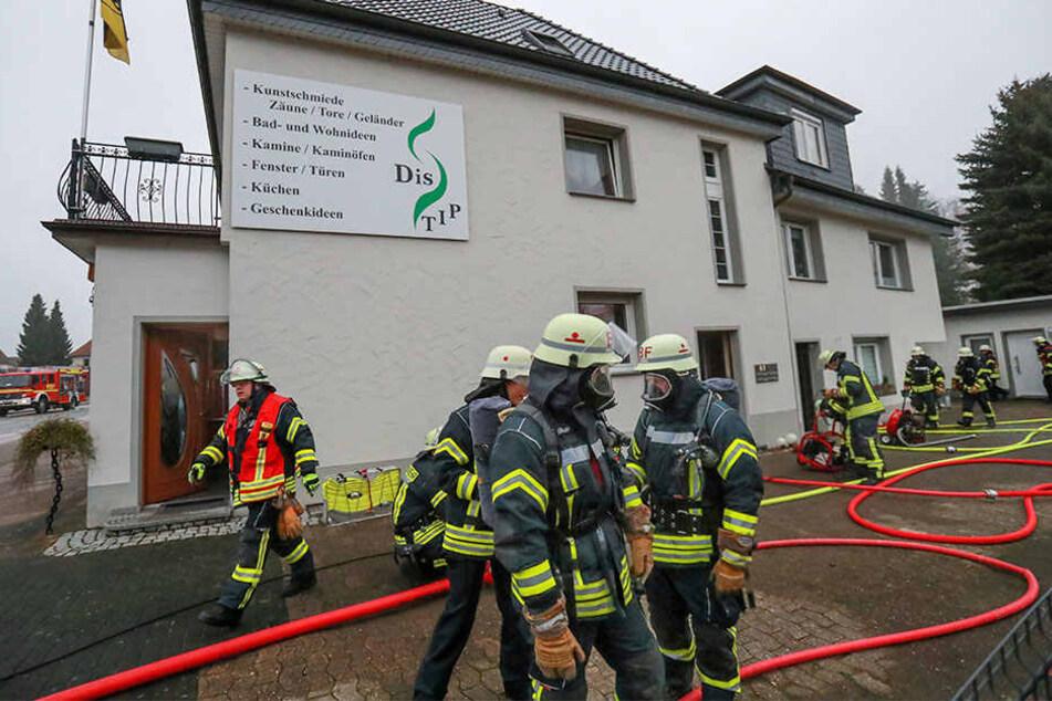 Feuer raubt verletzten Bewohnern kurz vor Weihnachten das Haus
