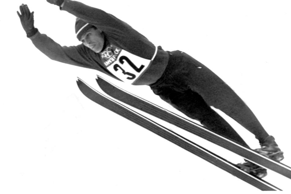 Der 60er Olympiasieger aus Zella-Mehlis belegt bei den Olympischen Winterspielen in Seefeld bei Innsbruck am 31.01.1964 den sechsten Platz im Springen von der Normalschanze.