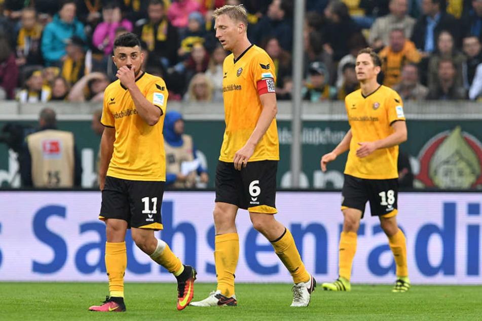 Lange Gesichter bei Dynamo: Die Spieler kämpfen gegen den Frust.
