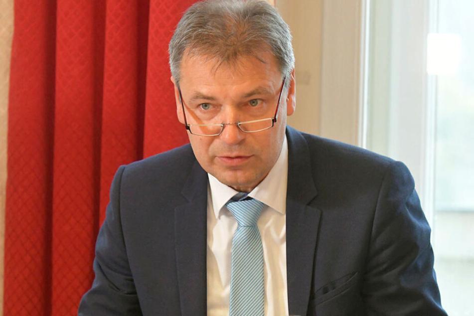 Nordsachsens Landrat Kai Emanuel (51, parteilos) will Hilfe vom Freistaat beim Altschulden-Abbau.