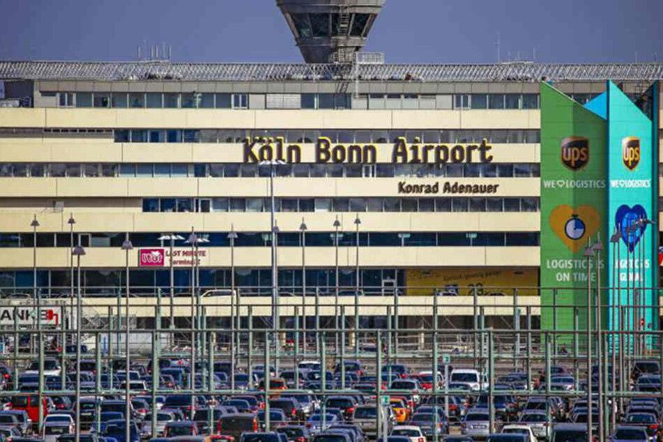 Das Baby kam am Samstag am Flughafen Köln/Bonn zur Welt.