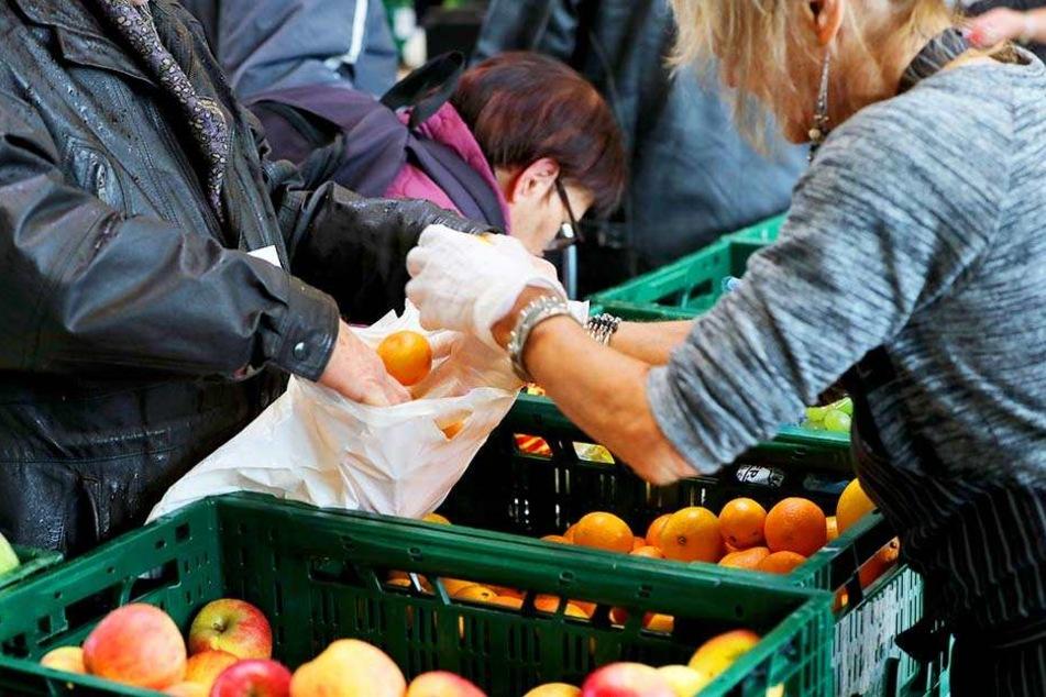 Die Tafel hilft Bedürftigen, die sich kein Essen im Supermarkt leisten können.