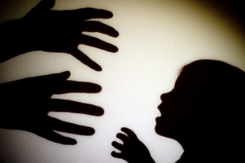 Die Folgen durch Kindesmisshandlung und -vernachlässigung sind gravierend.