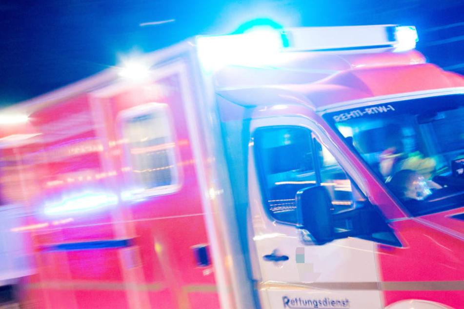 Das Unfallopfer erlitt lebensgefährliche Verletzungen (Symbolbild)