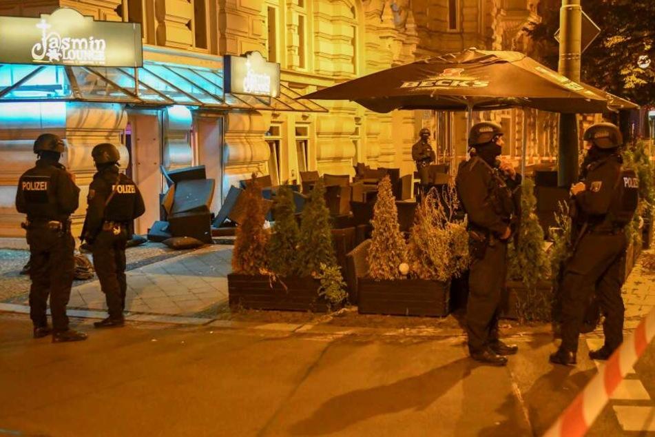 Vor einer Shisha-Bar an der Otto-von-Guericke-Straße soll es in der Nacht zu Dienstag zu einer Schießerei gekommen sein.