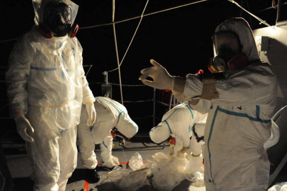 Arbeiter in einem Atomkaftwerk. (Symbolbild)