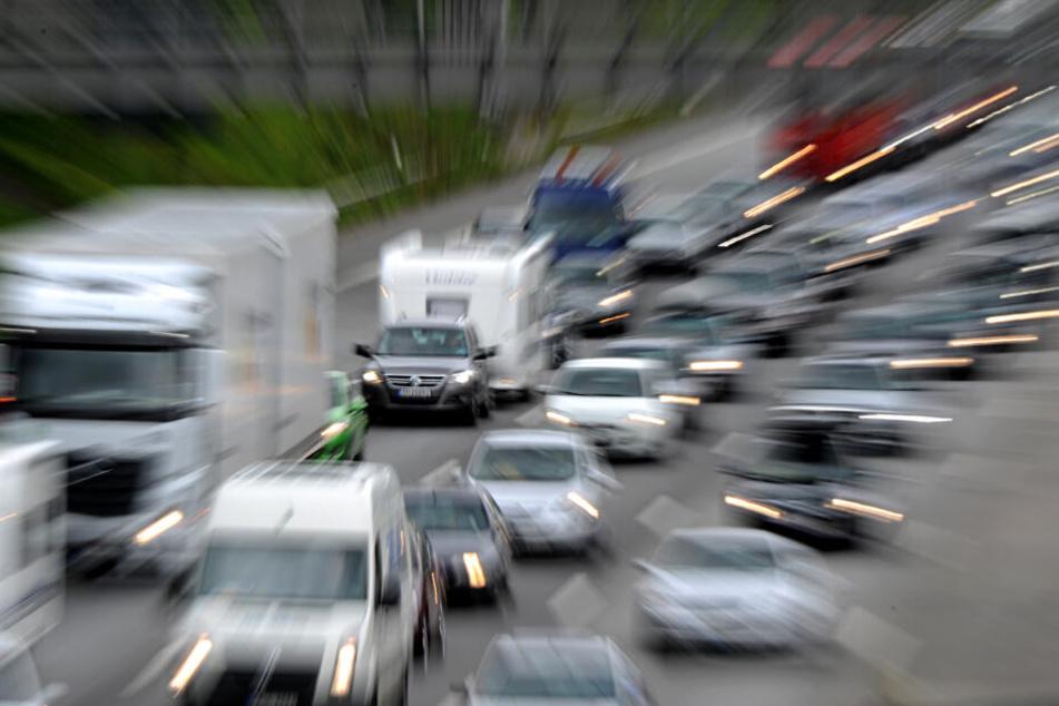 Autofahrer in Hamburg sollten am Wochenende mehr Zeit einplanen.