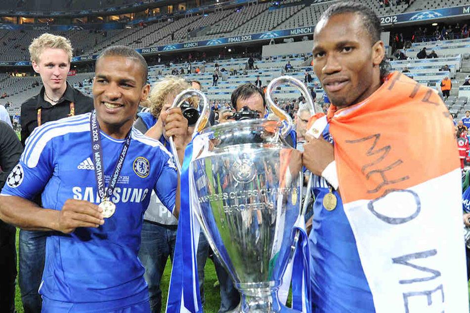 Der größte Erfolg in der Karriere von Florent Malouda (l.): Der Gewinn der Champions League 2012 mit dem FC Chelsea beim FC Bayern München.
