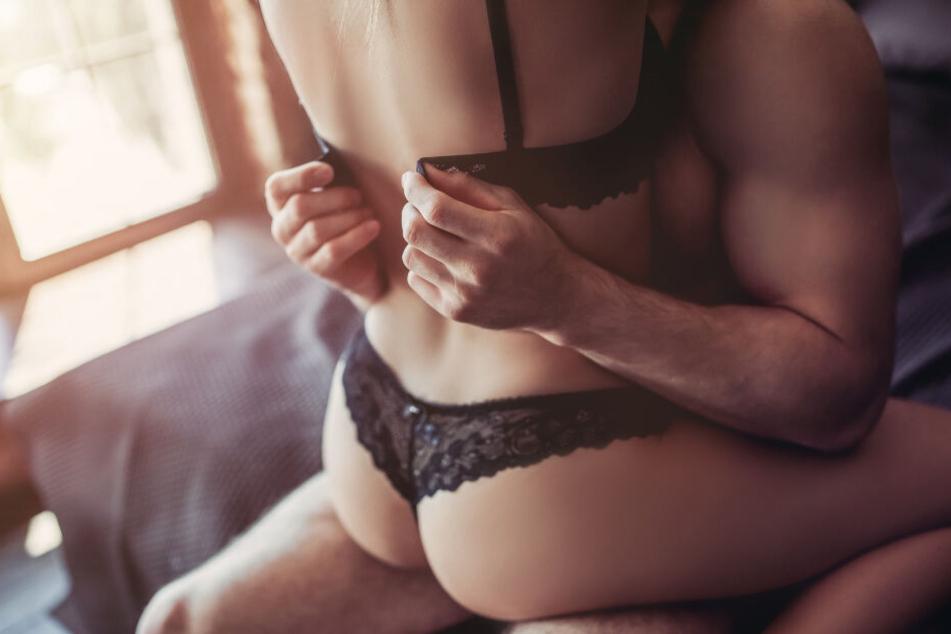 Frau verweigert Sex, dann greift ihr Freund zur Schere