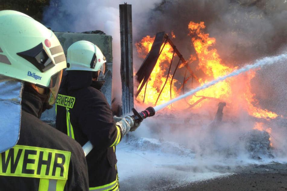 Feuerwehrmann legte viermal absichtlich Feuer: Knast!