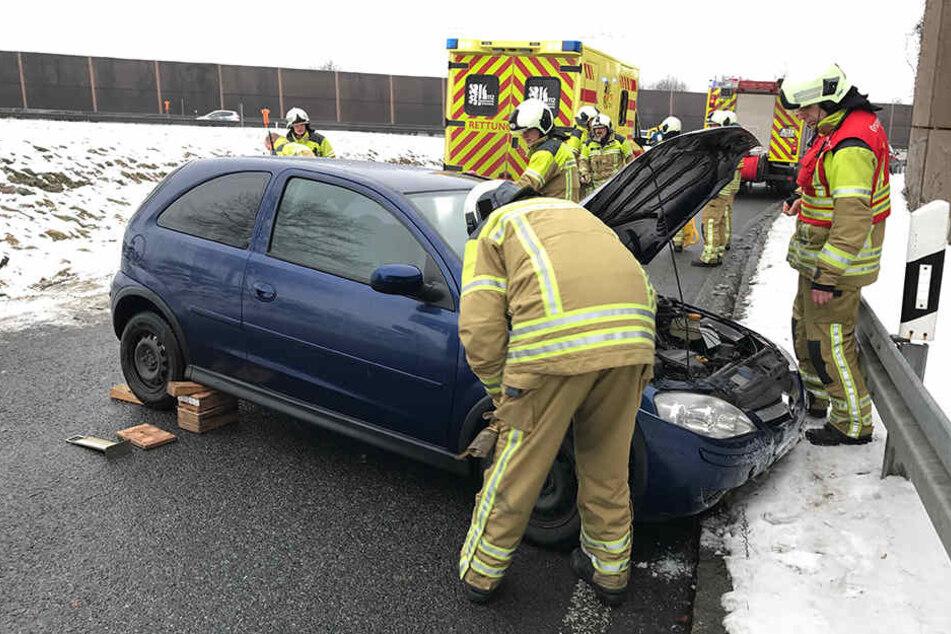 Unfall auf der A4: Die Frau musste in ein Krankenhaus gebracht werden.