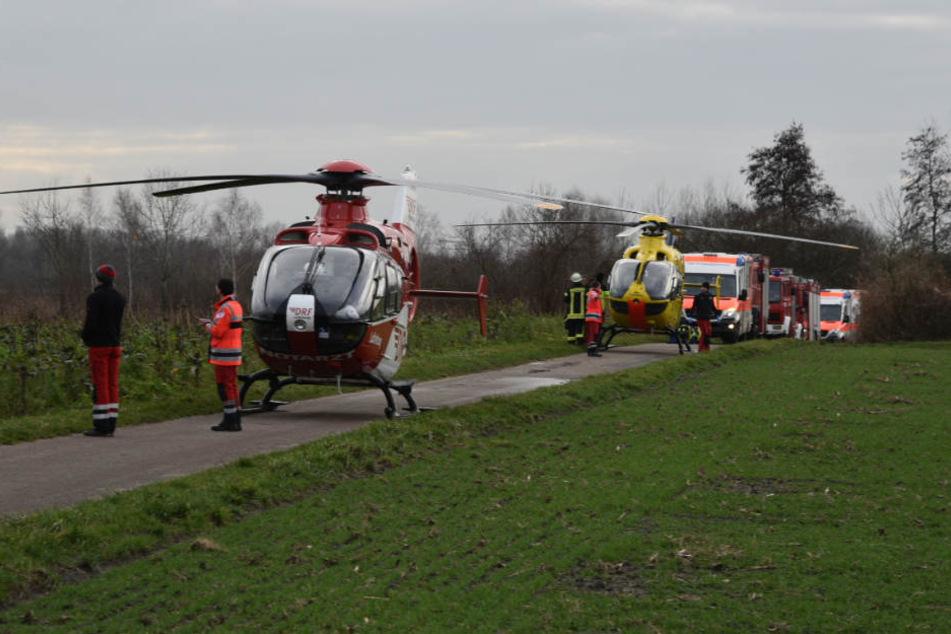Ein Großaufgebot an Rettungskräften ist nahe Philippsburg vor Ort.