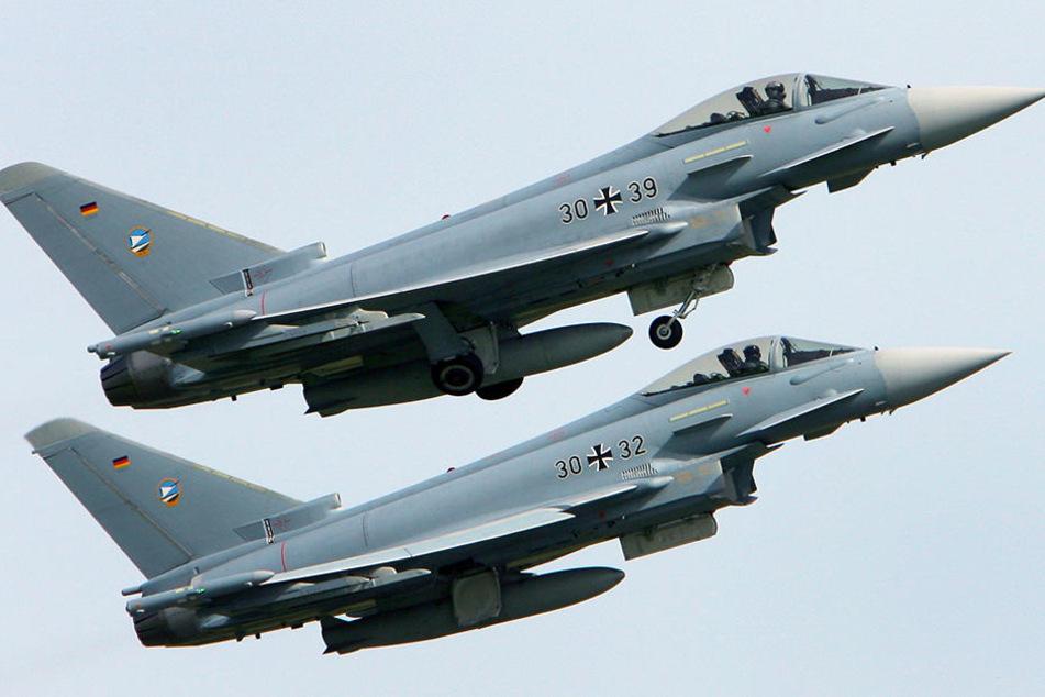 Flogen die Kampfjets zu niedrig?