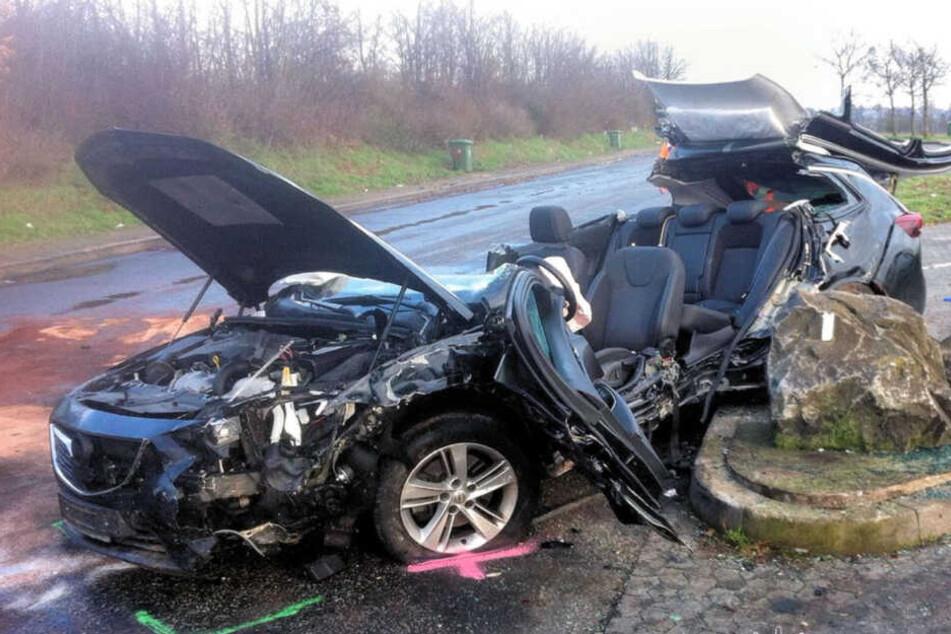 Der Autofahrer wollte zuvor auf der Autobahn zwei Sattelzüge überholen.