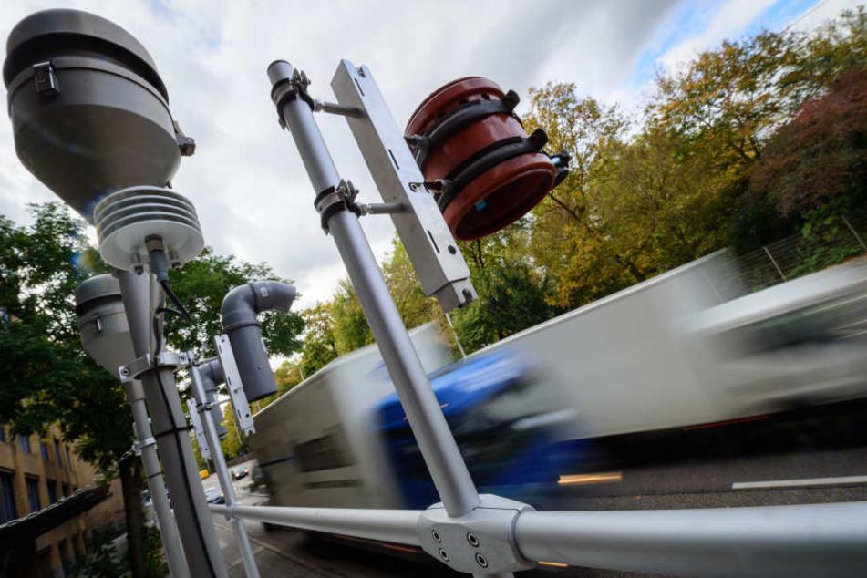 Der Grenzwert von Stickstoffdiox pro Kubikmeter liegt bei 40 Mikrogramm.