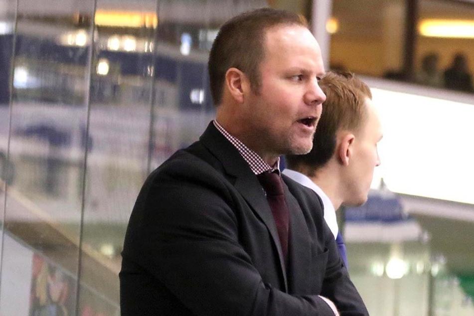 Eislöwen-Neucoach Bradley Gratton will heute das Wunder und die Wende schaffen.