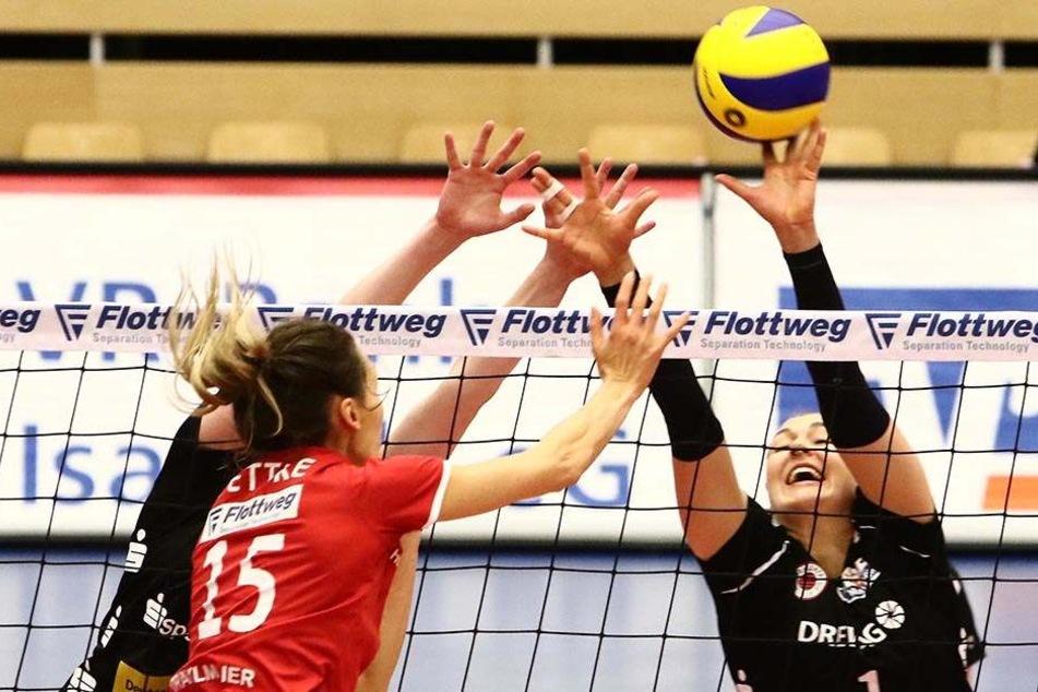 Stark: Barbara Wezorke (r.) machte beim 3:0-Sieg in Vilsbiburg fünf Blockpunkte. Und am Samstag?