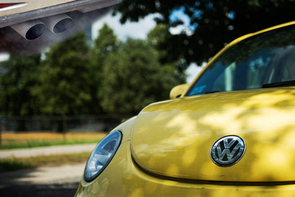 Die Klägerin kaufte im Jahre 2015 einen VW Beetle, der vom Abgasskandal betroffen ist.