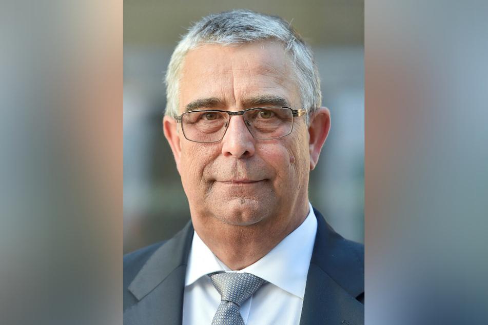 Der Geschäftsführer des Sächsischen Baugewerbeverbandes Klaus Bertram (64) weiß nicht, wie lange die Lieferketten noch halten.