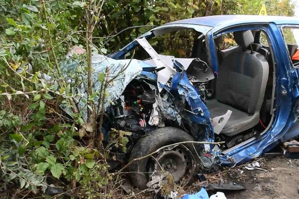 Frontal-Crash: Mann stirbt noch an der Unfallstelle