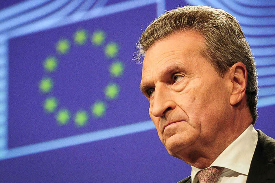 EU-Kommissar Günther Oettinger drückt bei Frankreich ein Auge zu.