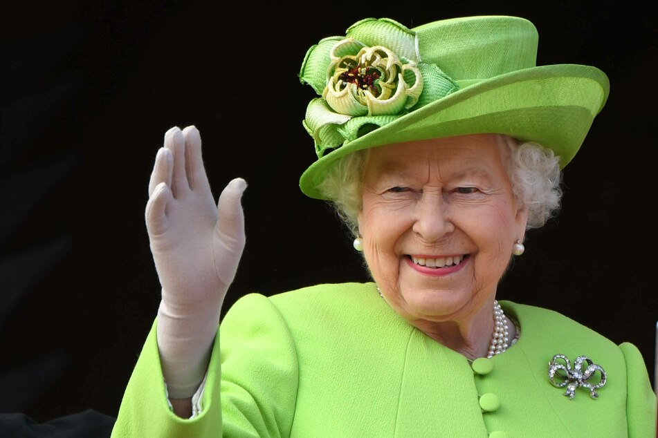 Queen Elizabeth II has become a great-grandmother for the tenth time!