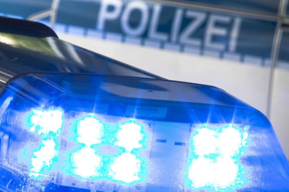 Die Polizei nahm den Unfall auf. (Symbolbild)
