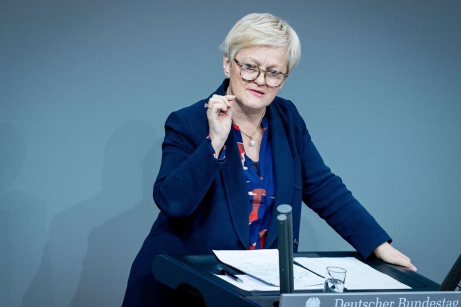 Falsche Pädophilie-Vorwürfe: Renate Künast siegt vor Gericht