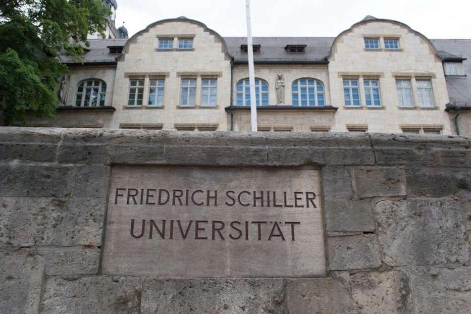 Die Jenaer Universität hat 2015 mit 710.237 Euro die meisten Gebühren von Langzeitstudenten eingenommen.
