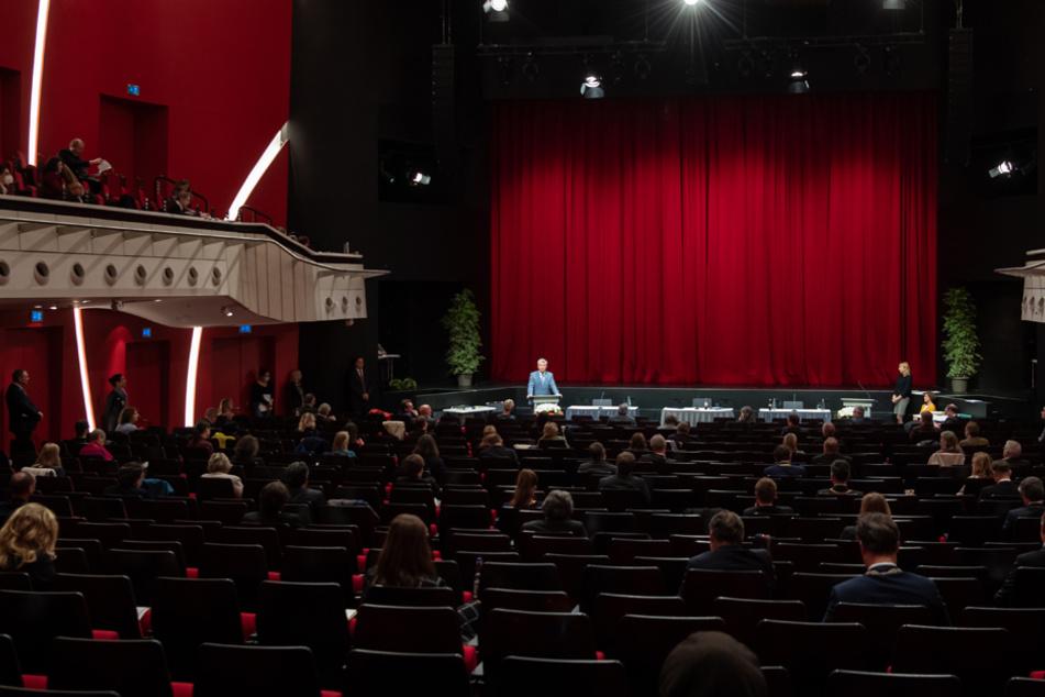 Mit einer Besucher-Obergrenze würde sich für die Theater ein Spielbetrieb kaum noch lohnen. (Archiv)