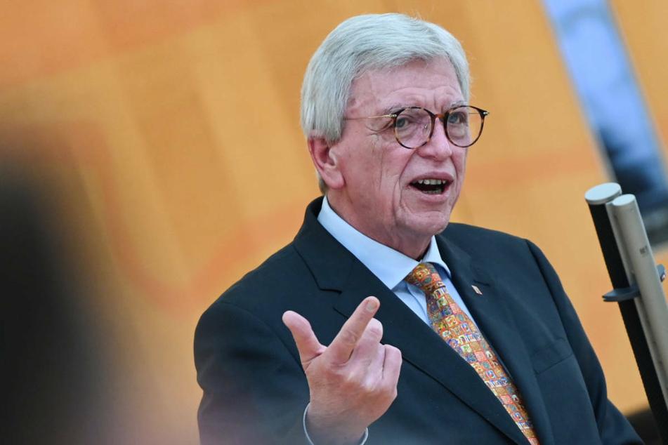 Möglicherweise wird Ministerpräsident Volker Bouffier (CDU) wegen der derzeit rückläufigen Coronazahlen weitere Öffnungsschritte für die Bevölkerung ankündigen.