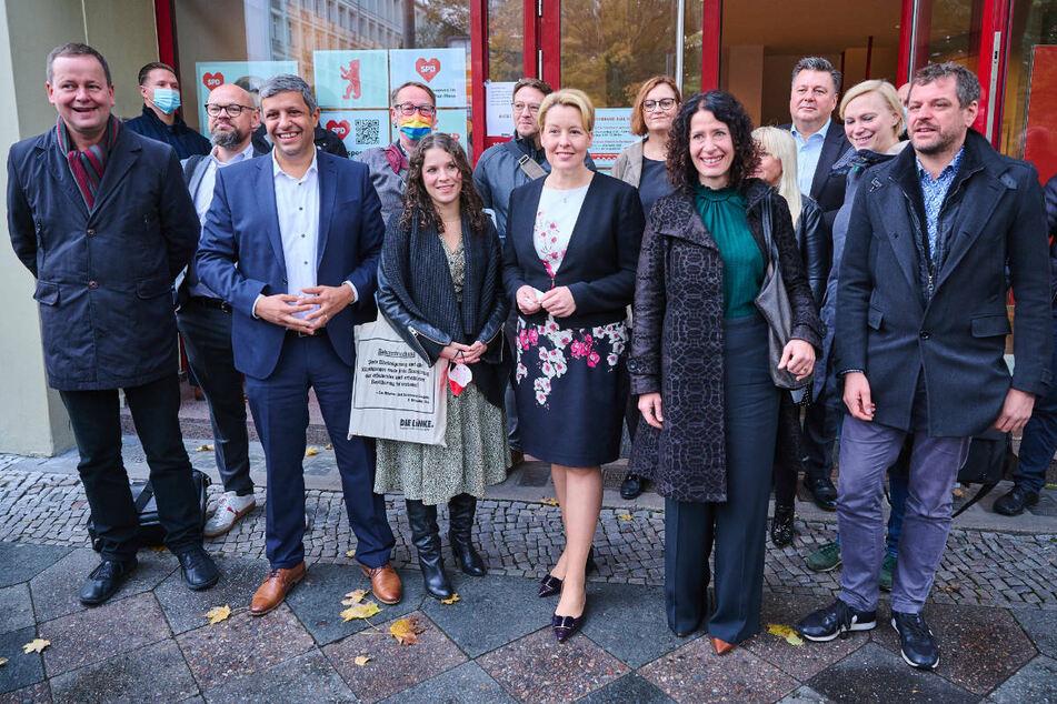 SPD, Grüne und Linke haben sich am Dienstag zu ausführlichen Sondierungsgesprächen im Kurt-Schumacher-Haus getroffen.