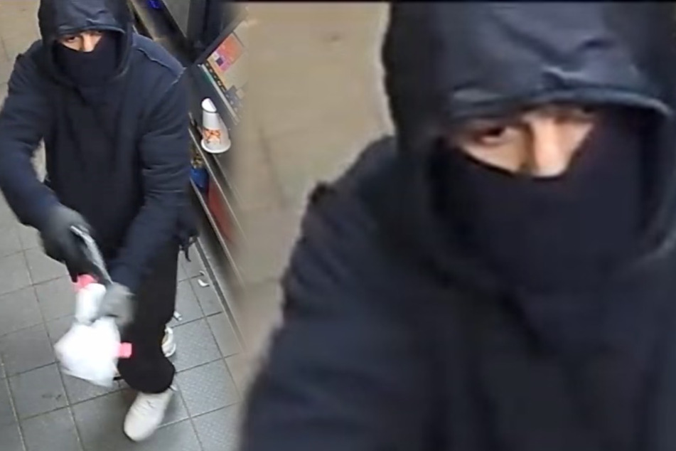 Polizei sucht diesen Mann: Bewaffneter Gangster überfällt Burger-King-Filiale!