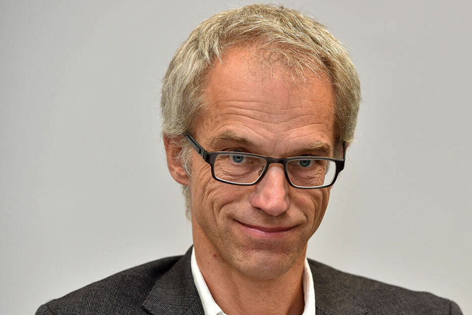 Der Familienvater und Amtsleiter Falk Schmidtgen († 54) hatte keine Chance. Er starb noch an der Unfallstelle