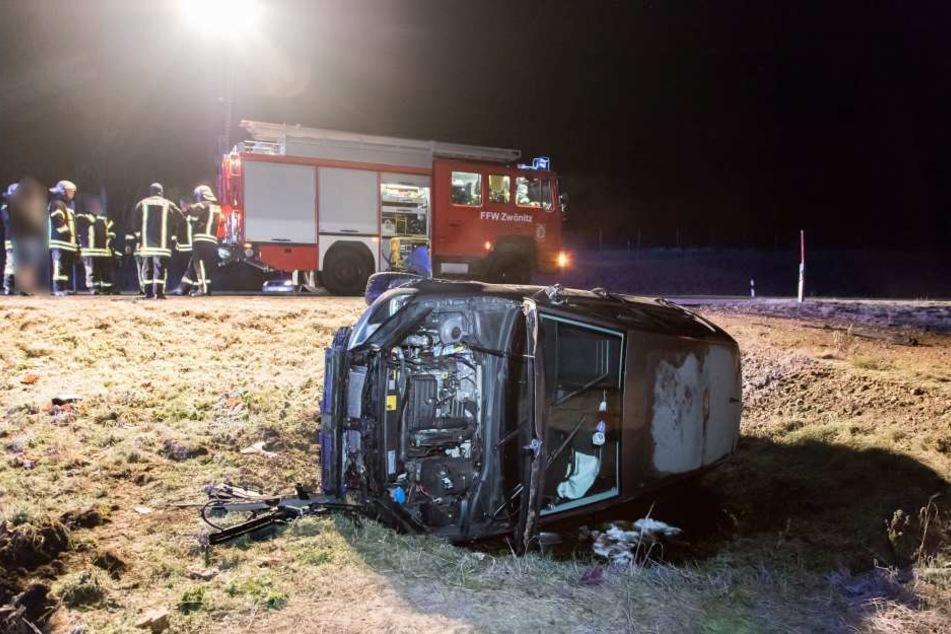 Der Fahrer musste in ein Krankenhaus gebracht werden.