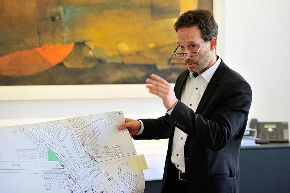 Tiefbauamtsleiter Thomas Pühn (52) erläutert die Investitionspläne der Stadtverwaltung für dieses Jahr.