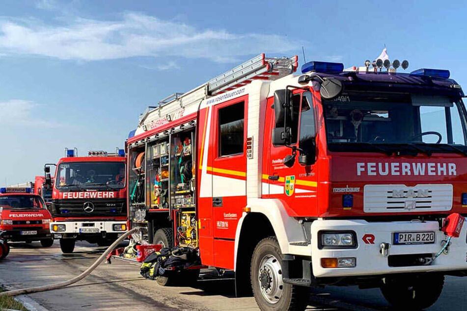 Mehrere Feuerwehrautos eilten zum Brandort.