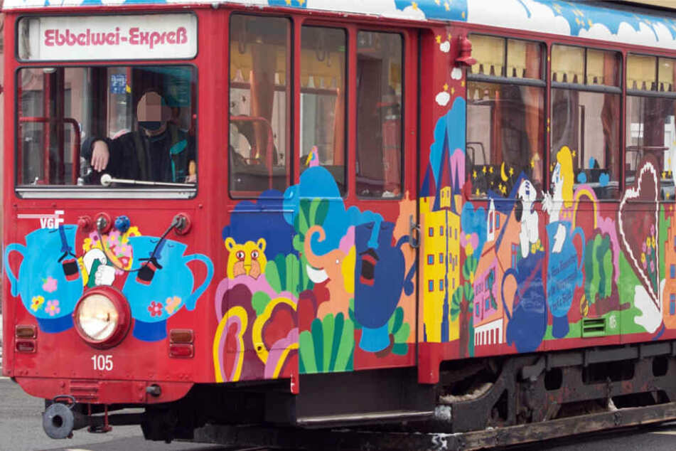 Unverwechselbar: Der Ebbelwei-Express gehört fest zum Frankfurter Stadtbild.