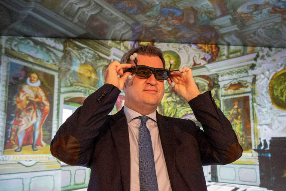 Markus Söder bei einem Besuch des Rechenzentrums in Garching bei München.