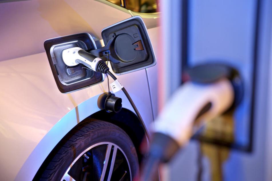Ohne gute Ladeinfrastruktur lohnen sich Elektroautos kaum.