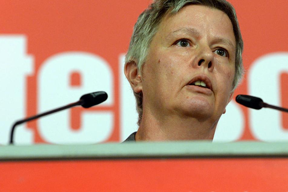 """Schock-Aussage: Linken-Politikerin will """"potenzielle Terroristen"""" im Land behalten"""