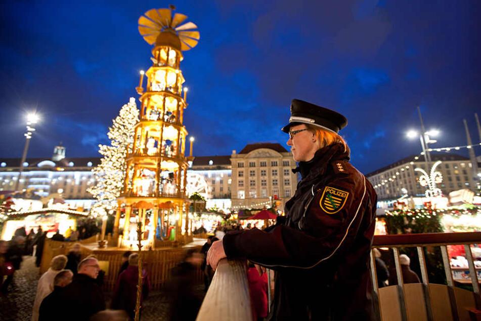 660.000 Euro will die Stadt in mehr Sicherheit auf dem Striezelmarkt investieren.