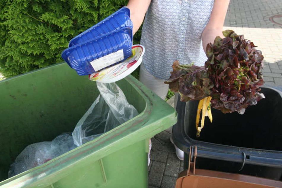 Plastik, Metall und Co. gehören nicht in den Biomüll (Symbolfoto).
