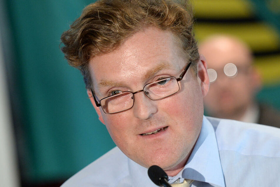 Arvid Samtleben will seiner Konkurrentin, der AfD-Abgeordneten Karin Wilke, das Amt nehmen.