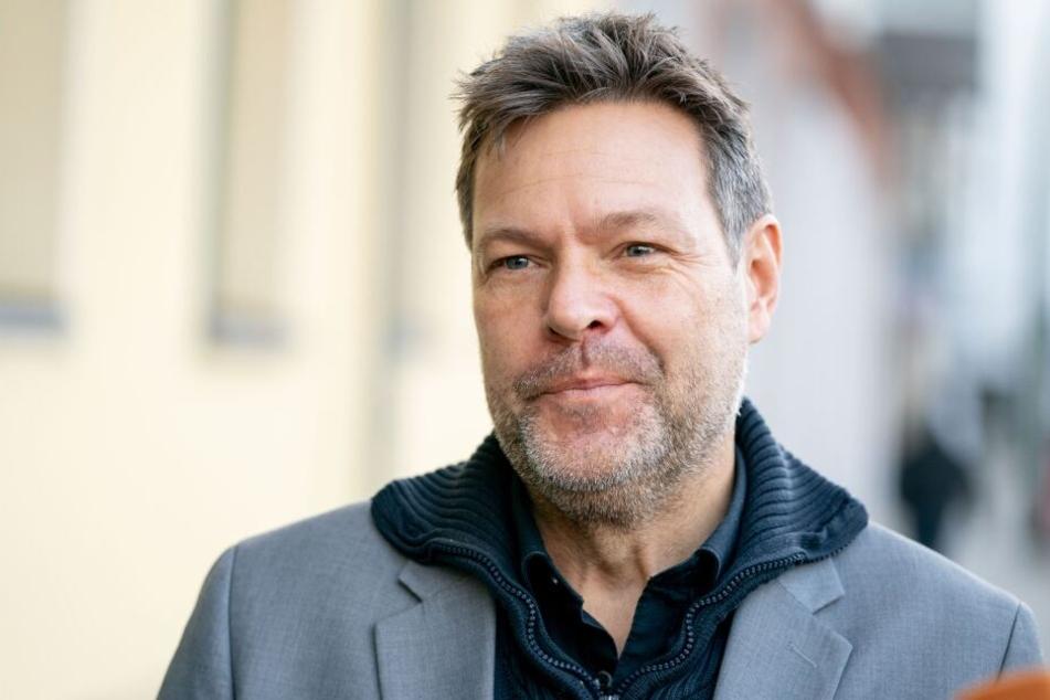 Grünen-Bundesvorsitzender Robert Habeck fordert die Aufnahme von Flüchtlingskindern.