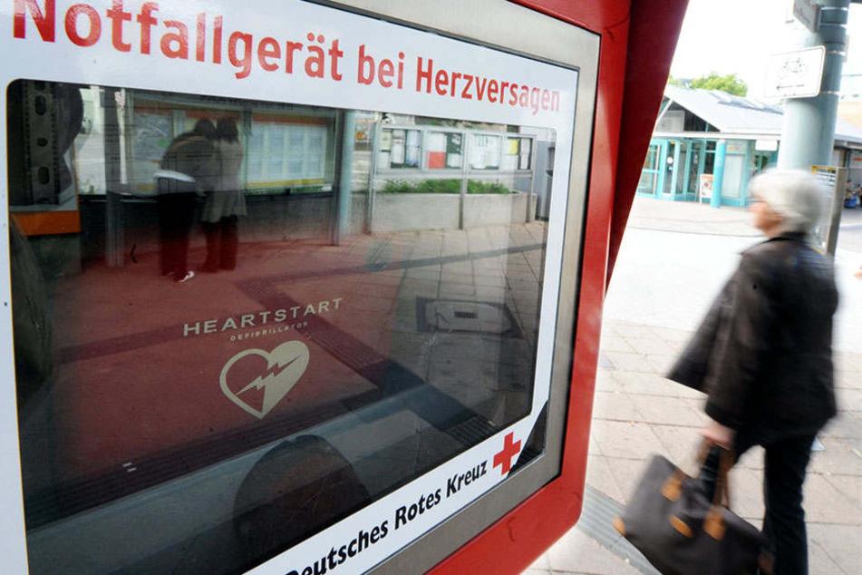 Laufen wir täglich daran vorbei? Viele Menschen wissen nicht, wo sich ein lebensrettendes AED-Gerät in ihrer Nähe befindet.