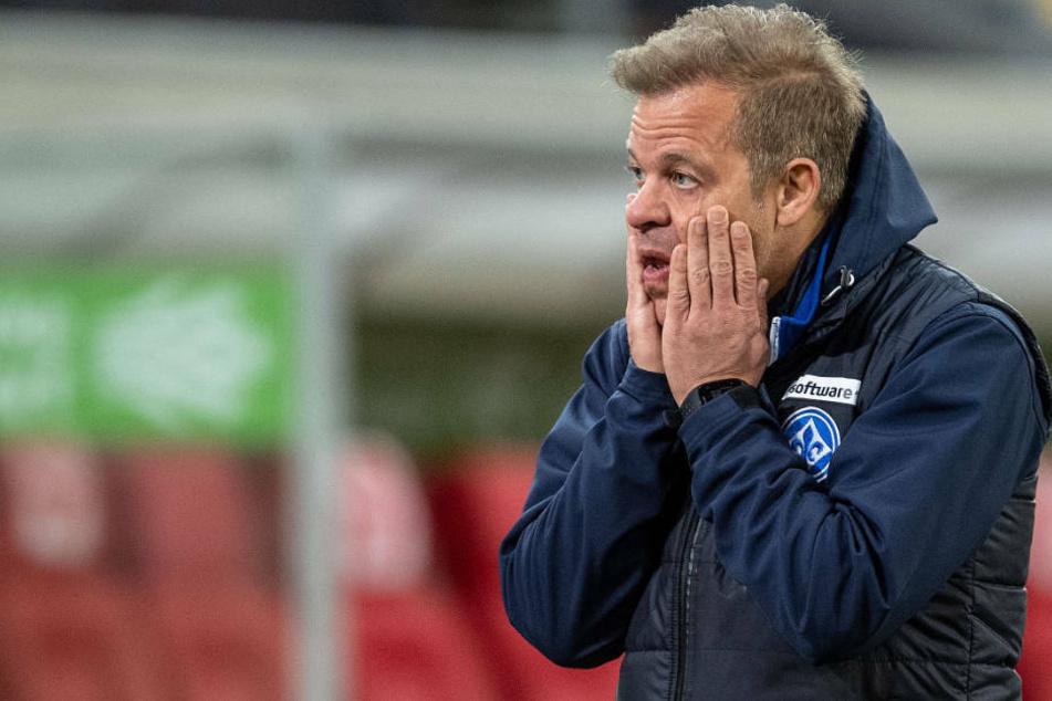 Für das Heimspiel gegen die SpVgg Greuther Fürth wird sich Lilien-Coach Markus Anfang wohl etwas einfallen lassen müssen.