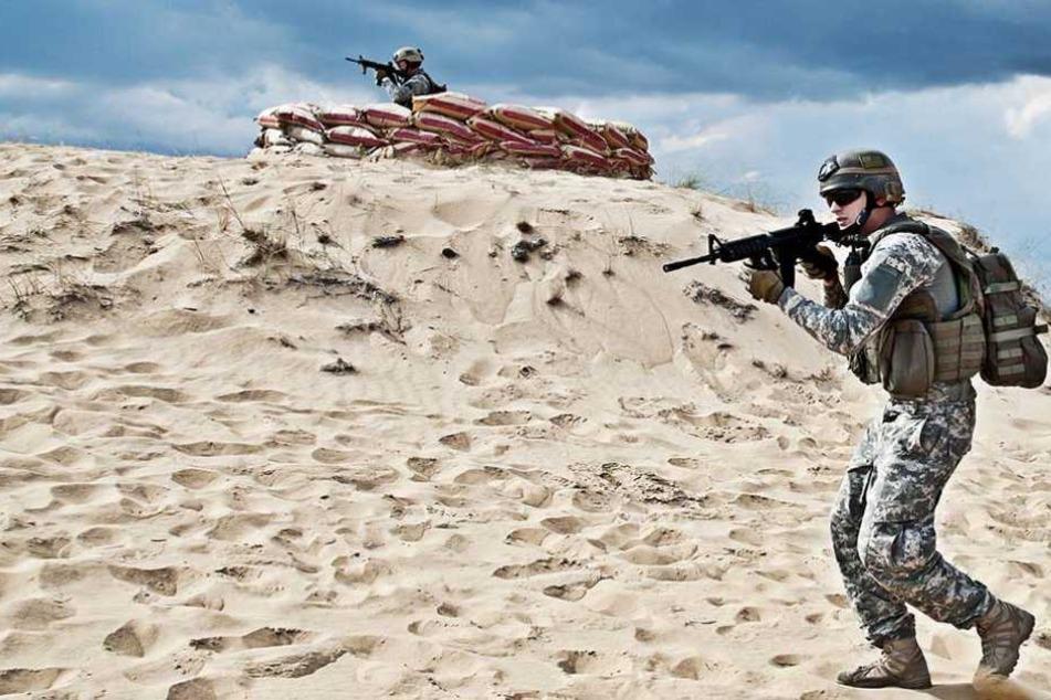 Soldaten im Einsatz. In Afghanistan war eine Spezialeinheit in eine IS-Rückhalt geraten (Symbolfoto).