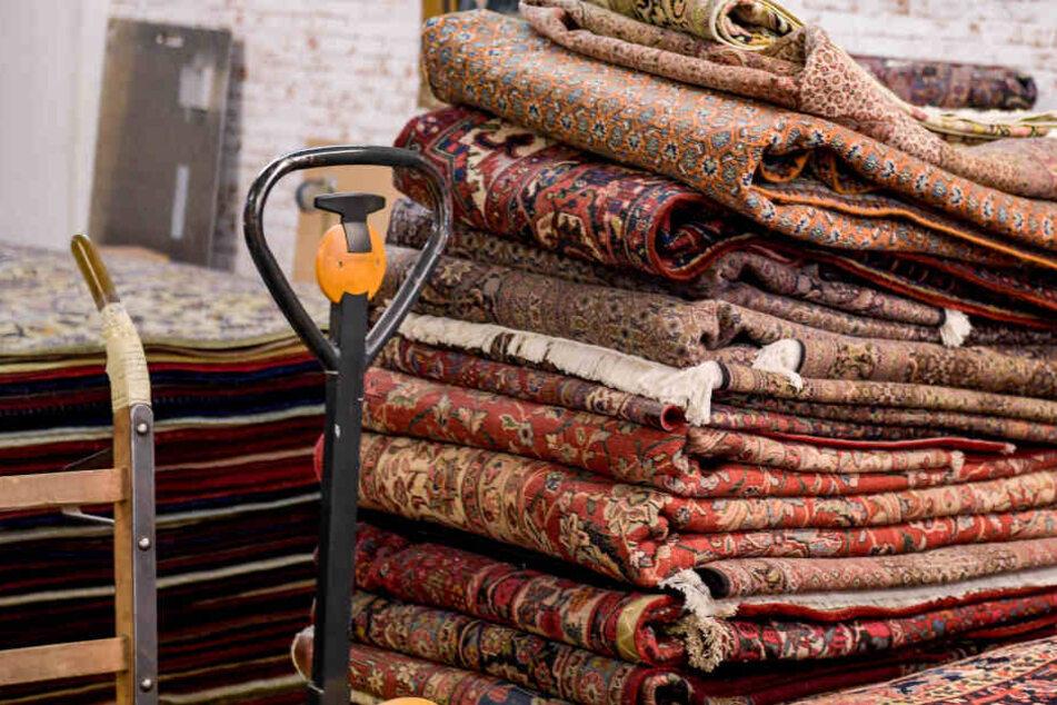 In München muss sich eine Bände verantworten die völlig überteuerte Teppiche verkauft hat. (Symbolbild)