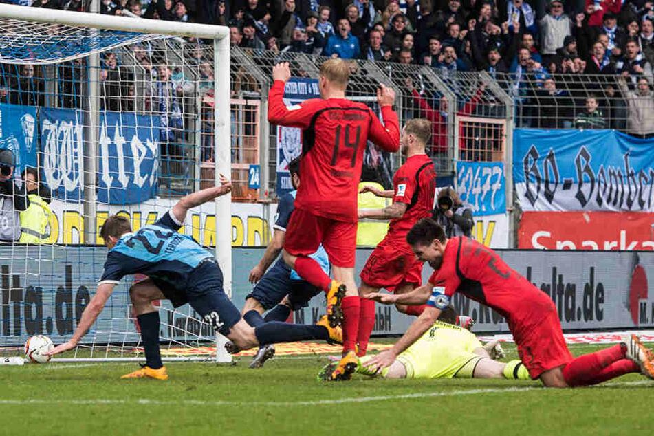 Das letzte Spiel gegen Bochum endete 2:2. Hesl konnte einen Elfmeter von Terodde in der Nachspielzeit (90.+6!) halten, der Nachschuss war drin.